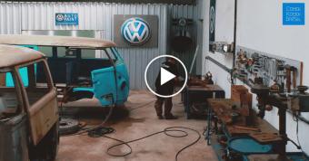 Visite 360º de l'atelier de reconstruction de Combi au Brésil